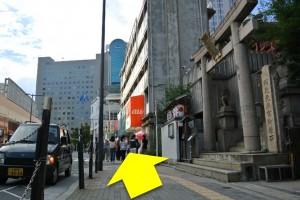 阪急梅田からプラザモータープール5・神社前