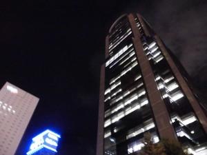 プラザモータープール近く・ピアスタワー