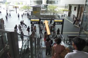JR大阪駅からプラザモータープール4