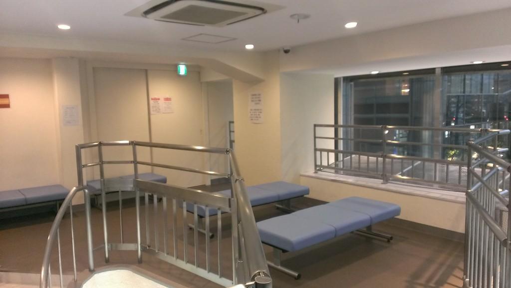東京シャトル待合所04