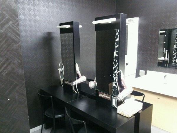 東京VIPラウンジ 男性化粧室
