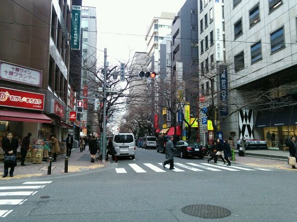 東京VIPラウンジの交差点