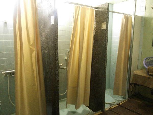 ファストインさんのシャワールーム