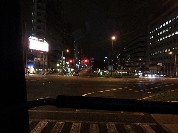 2階建てバス先頭車窓