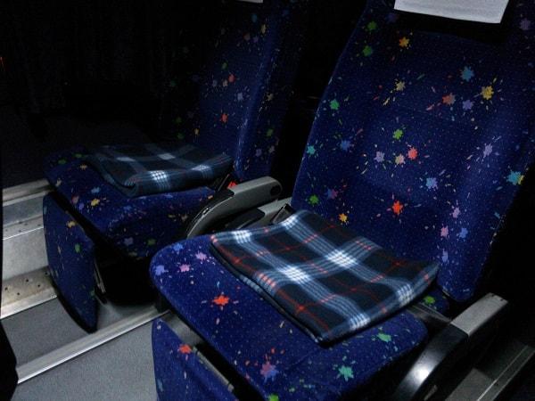 2階建てバスの座席