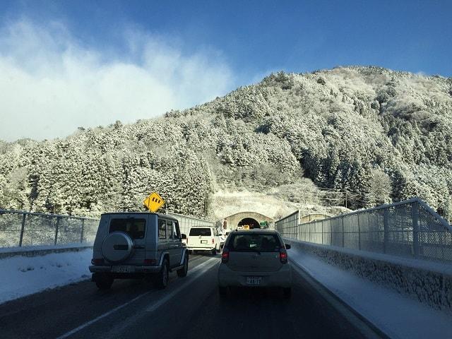雪による渋滞