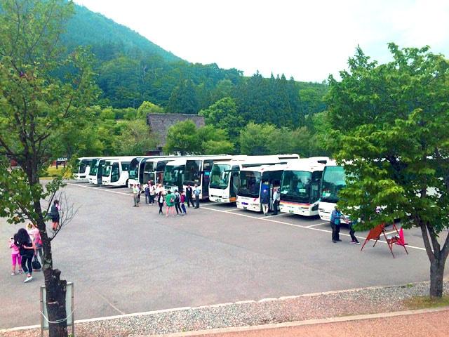 shirakawago_buses